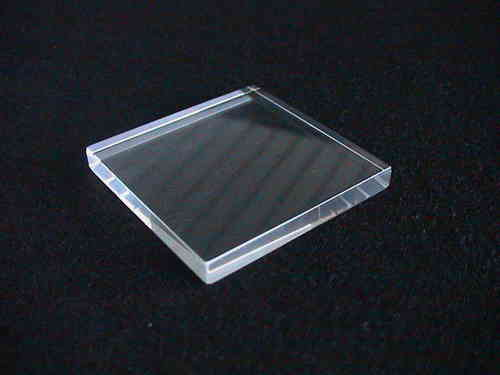 solid acrylic block 50x50x6mm/ socle en verre